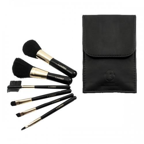 BRUSH SET Набор из 6 кистей для макияжа в черном футляре